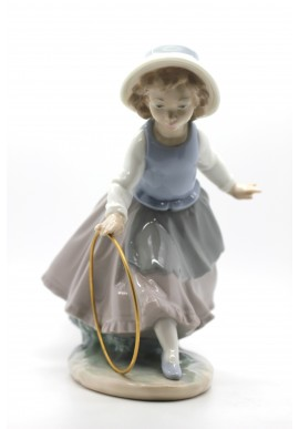 Decorative Porcelain Figurines and Bronze Sculptures at Discounted Prices. Free Shipping Available - A Delicate Scent