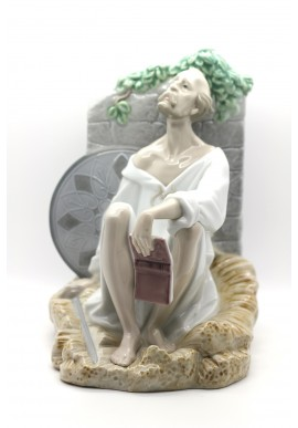 Nao Porcelain Figurines from the Around the World Collection - Loyalty & Honesty