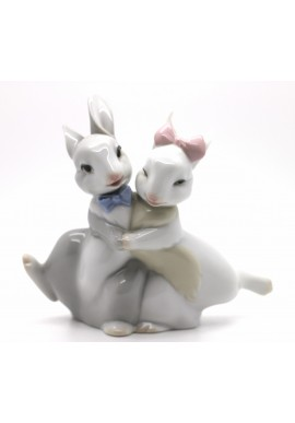 Decorative Nao figurine porcelain from the love collection. - Our First Kiss