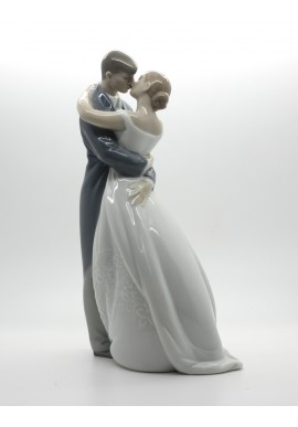 Decorative Nao figurine porcelain from the love collection. - A Kiss Forever