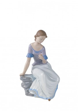 Decorative Nao figurine porcelain from the love collection. - Spring Reflections