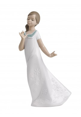 Nao by Lladro Porcelain Figurines from Youth Collection - Pretty Naomi