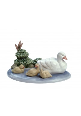 Nao Porcelain Figurines from the Animals Collection - Pond Family