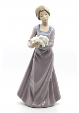 Decorative Porcelain Figurines and Bronze Sculptures at Discounted Prices. Free Shipping Available - Precious Bundle