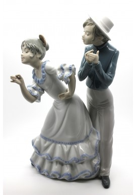 Nao Porcelain Figurines from the Around the World Collection - Nao Porcelain Figurine Gipsy Group