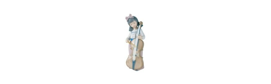 Decorative Nao Porcelain Figurines from the Arts Collection